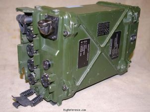 Side view - image courtesy of www.armyradio.com - Submitted by elmer
